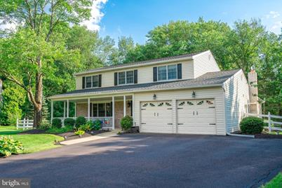 2685 Valley Woods Road - Photo 1