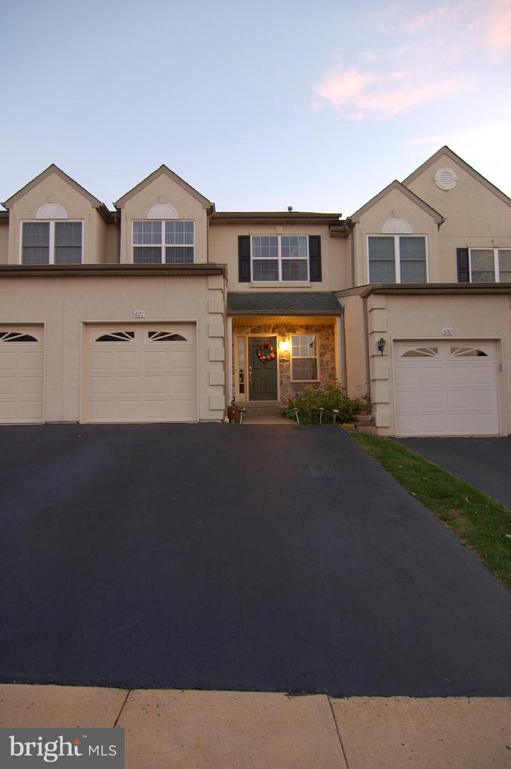 621 Fawn Cir, King of Prussia, PA 19406 - MLS PAMC608884 - Coldwell King Of Prussia Suburb Map on kings plaza map, dover map, findlay township map, allentown map, new castle map, upper uwchlan township map, ford city map, bryn mawr map, o'hara township map, prussia world map, worcester map, prussia 1853 map, fallsington map, philadelphia map, pennsylvania map, valley forge pa map, hanover map, pocono pines map, tredyffrin map, ardmore map,