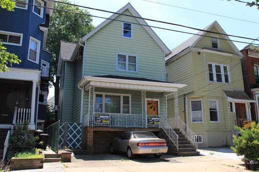 24 east 33rd st bayonne nj 07002 mls 140015712 coldwell banker. Black Bedroom Furniture Sets. Home Design Ideas