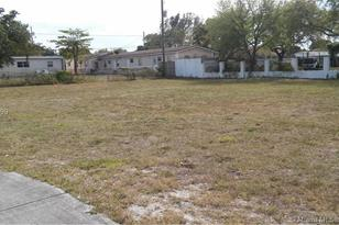 405 NW 4 Ave - Photo 1