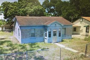 1710 South Ave - Photo 1