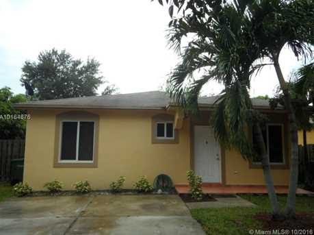 1604 SW 2nd Ct - Photo 1
