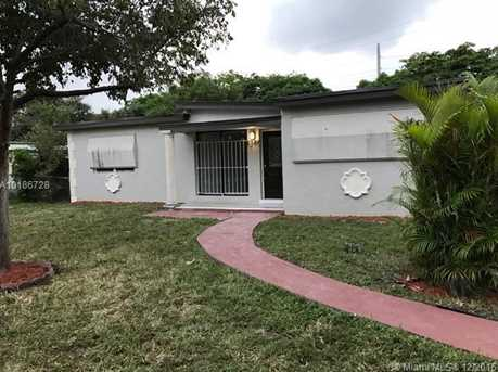 3340 SW 59th Ter - Photo 1