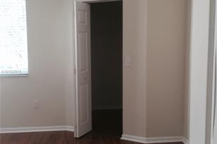 7920 N Nob Hill Rd #201 - Photo 1