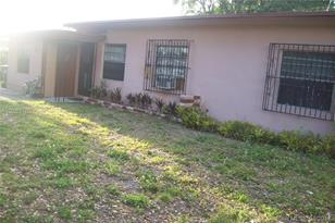 2125 NW 93rd Ter - Photo 1