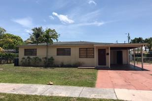 7860 SW 32nd Ter - Photo 1