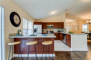 4051 SW 70th Ter - Photo 1
