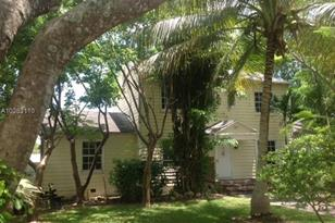 199 NW 19th St - Photo 1