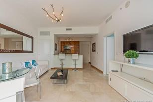 50 S Pointe Dr #605 - Photo 1
