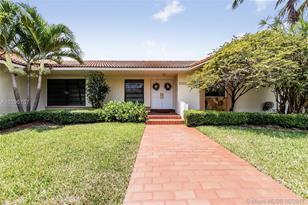 13350 SW 57 Ave - Photo 1