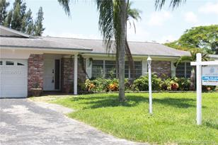 2461 SW 86th Ave - Photo 1