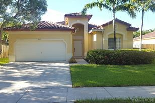 8931 SW 212th Ter - Photo 1