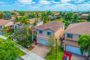 11042 NW 53rd Ln - Photo 1