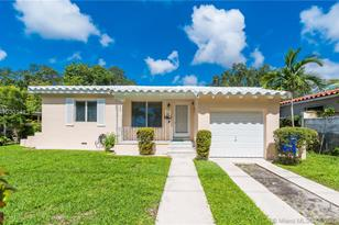 2520 SW 19th Ave - Photo 1