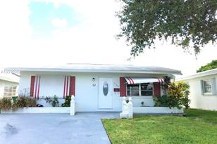 7120 NW 73rd St - Photo 1