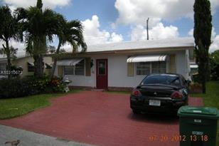 2711 NW 52nd St - Photo 1