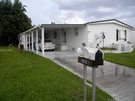 1870 SW 83rd Ave - Photo 1