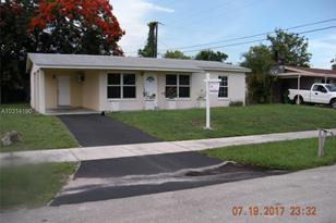 3461 NW 17th St - Photo 1