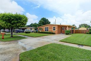 3440 NW 5th St - Photo 1