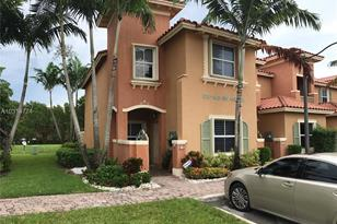 813 SW 143rd Ave - Photo 1
