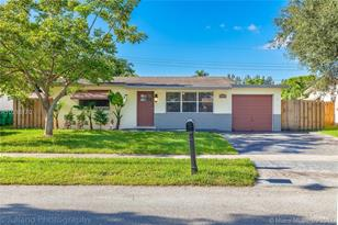 9412 SW 52nd Ct - Photo 1