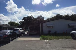 330 SW 9th Ter - Photo 1