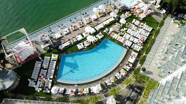West Ave Ph  Miami Beach Fl