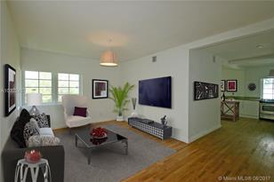 727 14th Pl #4 - Photo 1