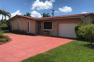 9590 SW 51st Ter - Photo 1