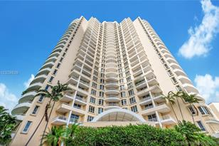 888 Brickell Key Dr #1800 - Photo 1