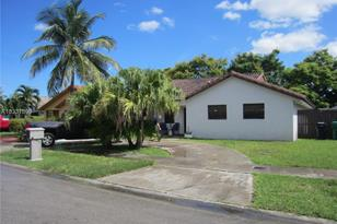 13812 SW 25th Ter - Photo 1