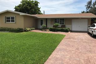 8860 NW 15th St - Photo 1