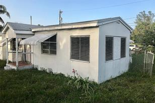 808 NW 20th Ave - Photo 1