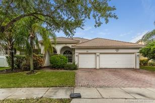 13816 NW 21st St - Photo 1