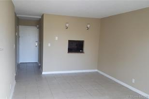 4550 NW 9th St #310E - Photo 1
