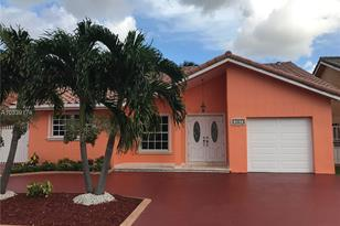 1257 SW 140th Pl - Photo 1