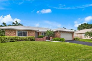 9180 NW 11th Ct - Photo 1