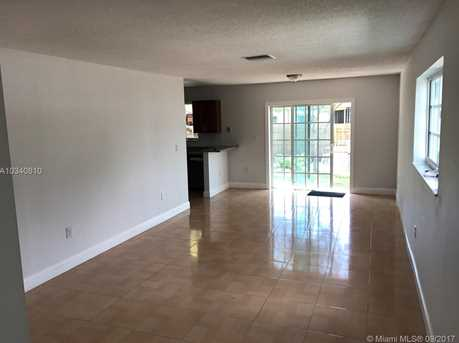 2290 NW 64th St - Photo 5