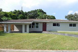 9951 SW 82nd Ter - Photo 1