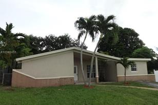 3520 SW 63rd Ave - Photo 1
