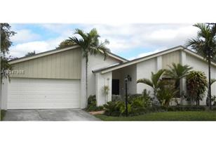 10761 SW 131st Ave - Photo 1
