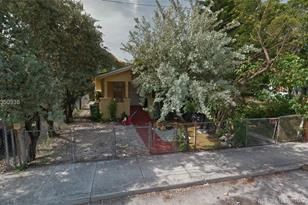 145 NW 32nd St - Photo 1