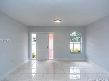 350 SW 124th Ave - Photo 5