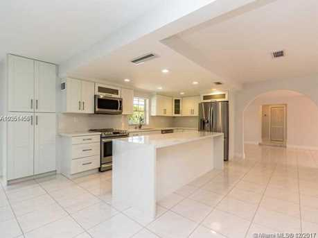 350 SW 124th Ave - Photo 9