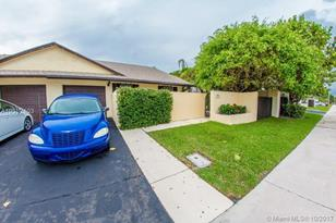 420 SW 29th Ave #. - Photo 1