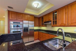 821 N Riverside Dr #1001 - Photo 1