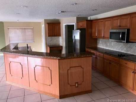 19396 NW 13th St - Photo 7
