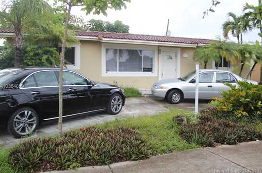 8031 NW 174th Ter - Photo 1