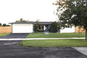 18945 SW 93rd Ave - Photo 1