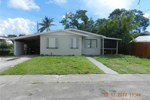 1620 NW 27th Ter - Photo 1